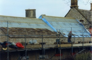 Barn roof repairs Wiltshire roofing company, Thinsulex roof insulation, Coswold stone tile barns, barn roofers near Cirencester Glos