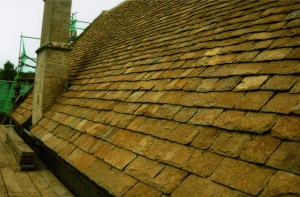 Repairing Cotswold stone tile roofers, Swindon, Wiltshire