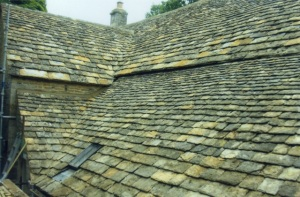 New Cotswold stone tile roofers Marlborough, cast iron roof lights fitted Swindon, replacement stone tiled roofing contractors in Swindon